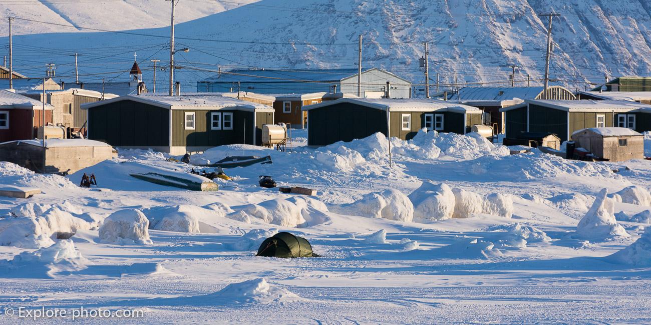 Tente sur la banquise de Qik, baffin